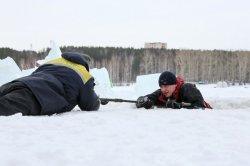 Рыбаков учат определять надежность льда