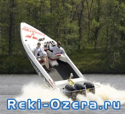 Как выбрать подвесной лодочный мотор