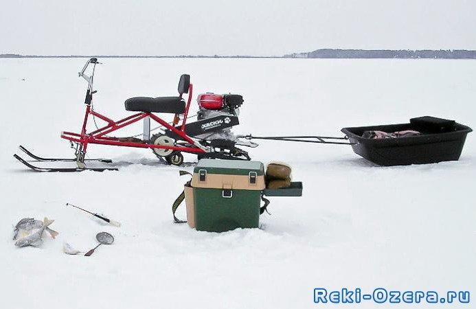 снегоход для рыбаков и охотников турист