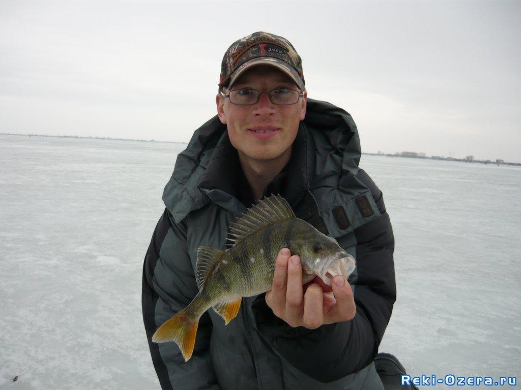 С профессионалом пара рыбалок с